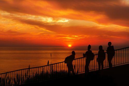 saulėlydis, žmonės, tiltas, jaunas, paaugliai, vandenynas, jūra, vanduo, vaizdas, oranžinė, naktis, gražus, peržiūra, žiūri, siluetas, juoda, Laisvas, viešasis & nbsp, domenas, saulėlydis žiūri žmonių siluetą