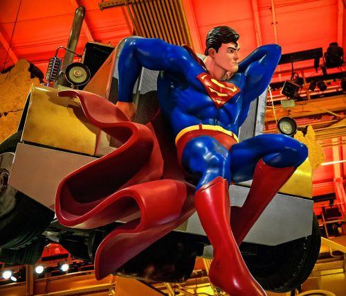 supermenas,herojus,komiksas