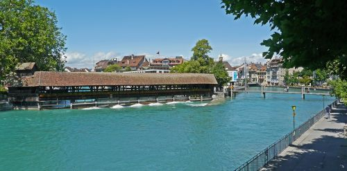 Šveicarija,Thun,aare,padalijimas,weir,padengtas,upė,vanduo,pėsčiųjų tiltas,reguliavimas,centro,berni oberland,srautas,džemas,Alpių upė
