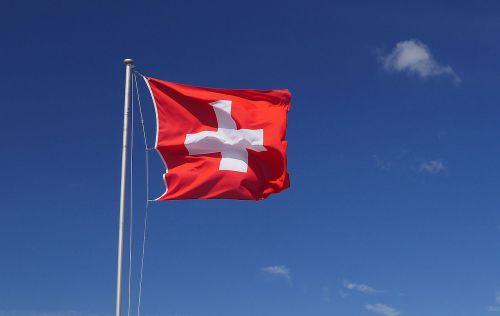 Šveicarija,Tautinė vėliava,vėjas,dangus,debesys,vėliava,reklama,raudona,kirsti,šveicariška vėliava