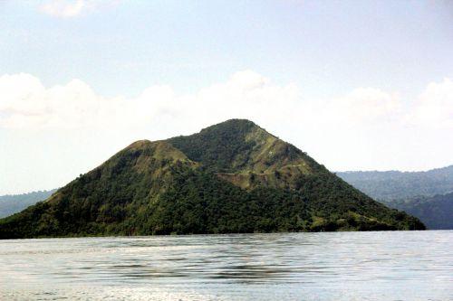 taal & nbsp, vulkanas & nbsp, Filipinai, taal & nbsp, vulkanas, Filipinai, vulkanas, kalnas, medžiai, vanduo, vandenynas, jūra, gamta, Taline vulkanas Filipinuose