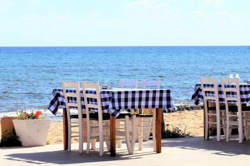 stalas,kėdės,tavern,taverna,graikų kalba,tradicinis,jūra,pajūryje,baldai,restoranas,potamos liopetri,Kipras