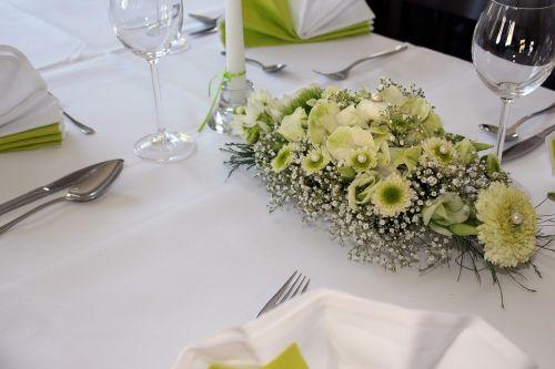 stalo dekoravimas,gėlių susitarimas,gėlės