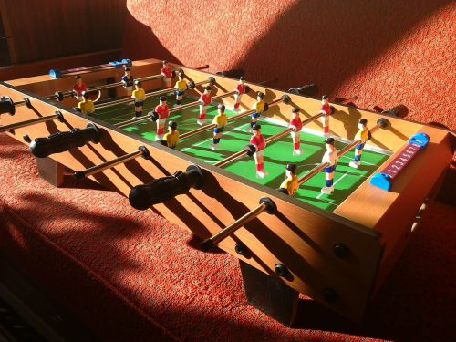 stalo futbolas,atvėsti nemokamai,pigus laisvalaikis,nebrangus laisvalaikis