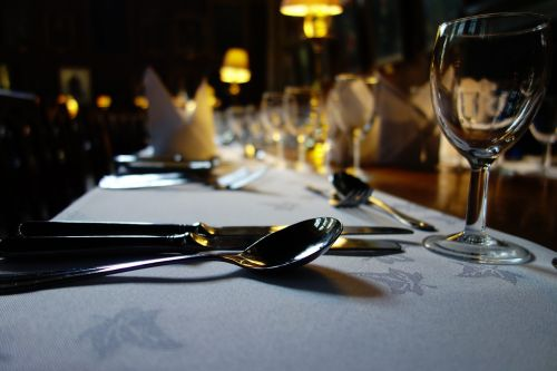 indai,Pietų stalas,taurė,šaukštas