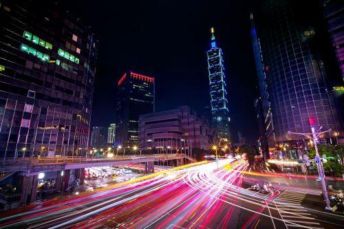 taipei 101,eismas,taipei,Taivanas,Kilango kelias,xinyi kelias,žiemą,xianggang,lengvuoju geležinkeliu