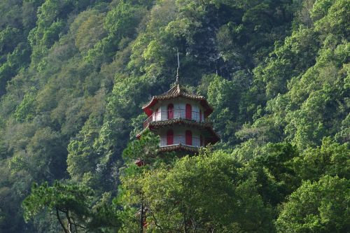 Taivanas,Kinija,turizmas,taroko,Gorge,taroko tarpeklis,gamta,kraštovaizdis,kalnai,šventykla,miškas