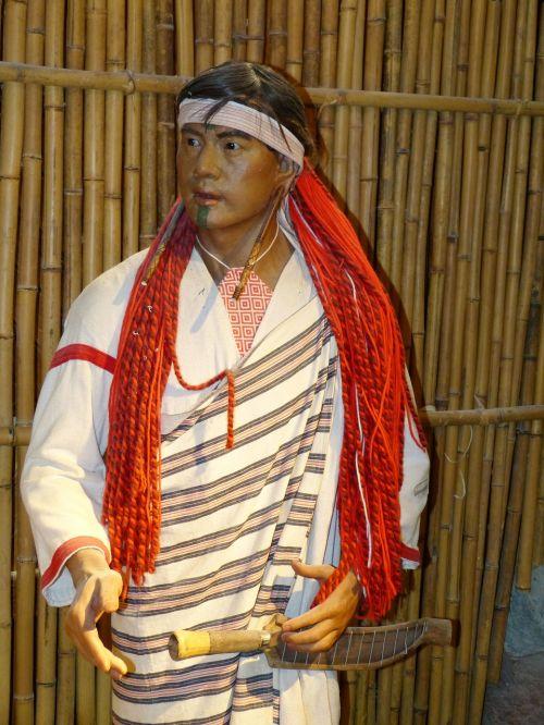 Taivanas,Kinija,taroko,taroko tarpeklis,vietiniai žmonės,turizmas,muziejus,vyras,figūra,tatuiruotė,veidas,tatuiruotė