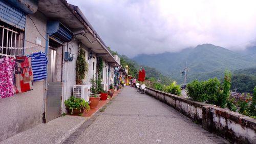 Taivanas,kačių kaimas,kalnas,maži elniai