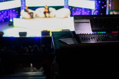 pokalbių šou,tv gyventi,tv,Rodyti,televizija,žiniasklaida,gyventi,kalbėti,interviu,technologija,transliuoti