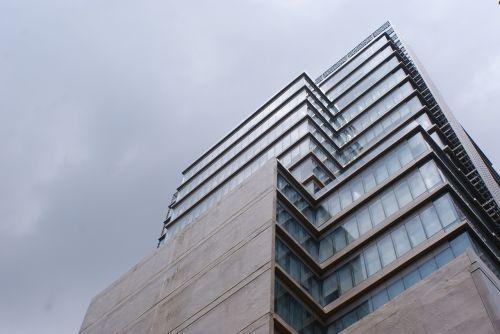 aukštas pastatas,mažas kampas,dangoraižis,architektūra,šiuolaikiška,struktūra,aukštas,perspektyva,stiklas,šiuolaikinis,fasadas,eksterjeras,pastatas,miesto,aukštas