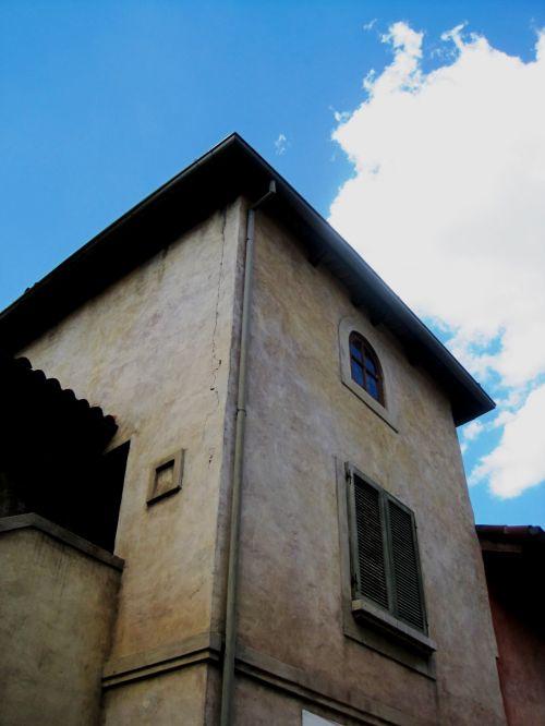 bokštas, pastatas, aukštas, aukštas, langai, Italijos & nbsp, stilius, dažytas & nbsp, baltas, mėlynas & nbsp, dangus, aukštas bokštas