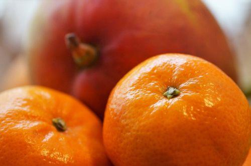 mandarinas,vaisiai,pietus,citrusiniai,vaisius,oranžinė,vitamino C,šviežias,sultingas,rūgštus,apvalus,žievė,sultys