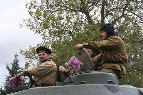 talpyklos,kareiviai,karinis paradas,išlaisvinimas prague,šou,istorija