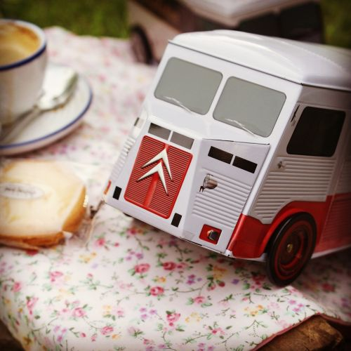 arbatos vakarėlis,sausainiai,pusryčiai,arbata,porcelianas,trapi