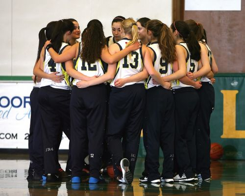 komanda,krepšinio komanda,mergaičių krepšinio komanda,Sportas,krepšinis,komandinis darbas,varzybos,sportininkai,krepšinio aikštelė,teismas,bendravimas,vidurinė mokykla,vidurinės mokyklos komanda,kartu,žaidimas,žmonės,mergaitės,Moteris