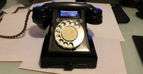 telefonas,telefonas,biuras,stalas,komunikacija,surinkti,telekomunikacijos,kontaktas,skambinti,kalbėti,prietaisas,pranešimas,verslas,stalinis kompiuteris