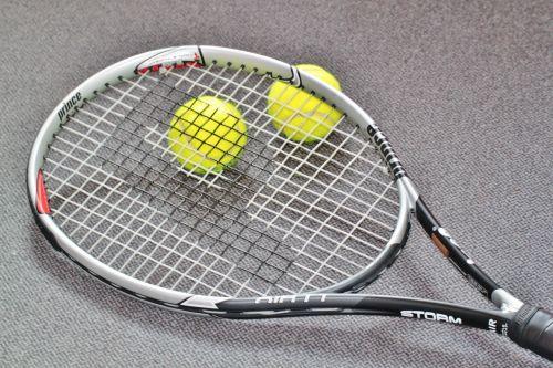 tenisas,teniso raketė,teniso sportas,laisvalaikis,žaisti tenisą,sportas,rutulys,teniso kamuoliukas,Sportas,geltona,sporto šakos,dengimas,rėmas
