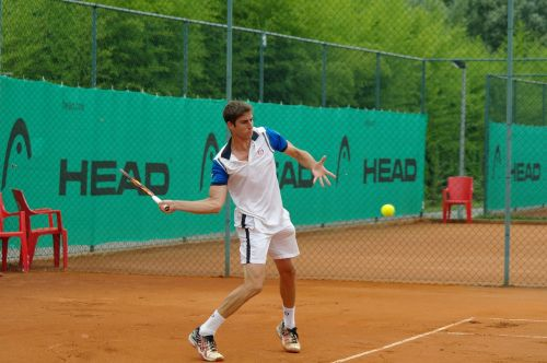 tenisininkas,molio kiemas,rutulys