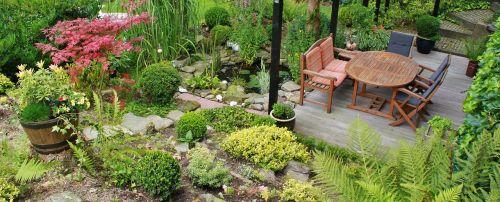 terasa,sodas,sodo dizainas,gartendeko,sodo architektūra,sodo apdaila,dizainas,gėlės,augalas,sodo augalai,botanika,sodo baldai,stalas,kėdės,tvenkinys,sodo tvenkinys,klevas,dėžutė