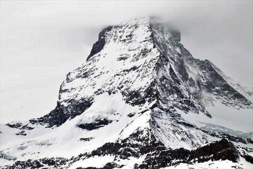 Alpės, Matterhorn, sniegas, kalnų, ledas, Žiemos, Zermatt, aukštas, etapas, ne iš teismo, kelionė, šalto, kraštovaizdis, Panorama, sušaldyti, nuo užšalimo, pobūdį, sunku šerkšnas, ledinis, kalnai, metų laikai, aplinka, Turizmas, žygiai, takas, pėsčiųjų takas, apsauga, takas, šventė, Kalnų žygiai, pėsčiųjų takai, kalnų kelionėse, kalnų kraštovaizdis, Kalnų takas, simbolis, Šveicarija, Peržiūrėti, kalnus, akmenys, atvirukas, išėmos, Vaizdas iš viršaus, Top, vaizdu į kalnus, kalnų, ramybė, sniegu viršūnės, snieguotų kalnų, Tatry, Žiemos vaizdas, nuolydis, iš perspektyva, Debesuota, miglotas, Status šlaitas, panoraminis