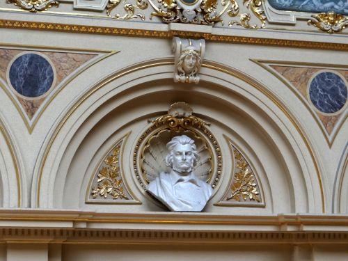 lviv opera,interjeras,Adomo Mickevičiaus biustas,biustas,poetas,dekoro,architektūra,namų dekoras,menas,interjeras,pagarba,pagarba,garbinimas
