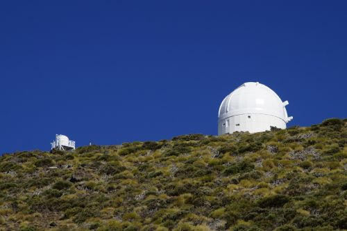 observatorija teide,teide,izana,izaña,Tenerifė,Kanarų salos,astronomijos observatorija,Teide observatorija,tyrimai,mokslas,mokslininkai,saulės observatorija,kraštovaizdis,pastatas,kupolas