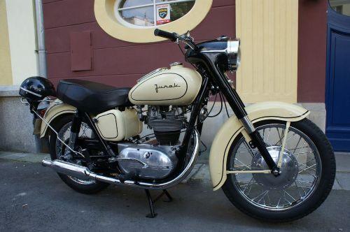 jaunuolis,variklis,oldtimer,rusas motociklas,automobiliai,senas motociklas,transporto priemonė,motociklas,motociklas,Sportas,hobis,senas,variklis,nastogadka