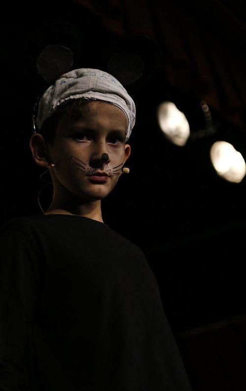 teatras, vaikas, aktorius