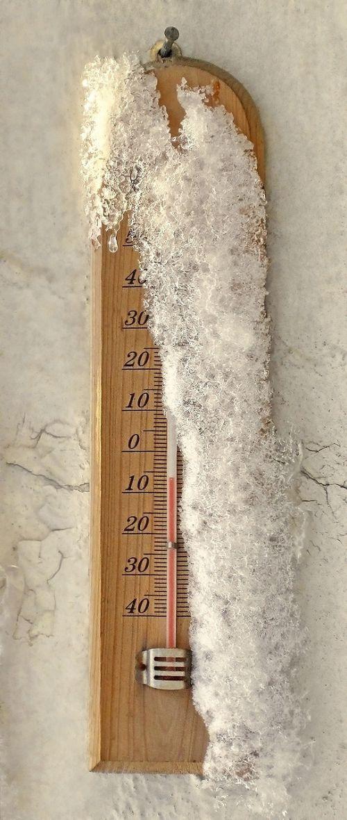 termometras,sniegas,temperatūra,celsijaus,šaltas,šaltas oras,žiema,Bukareštas,romanija