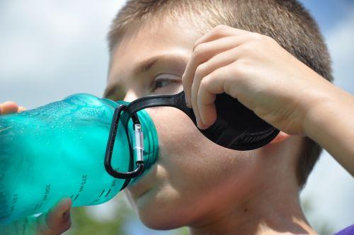 troškulys,vandens butelis,hidratas,vanduo,butelis,gerti,skystas,sveikas,plastmasinis,gaivus,mėlynas,natūralus,šlapias,šaltas,vasara,Sportas,gerti