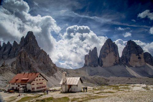 trys lavaredo būstinės viršūnės,dolomitai,drei zinnen hut,toli,takas,Alpių,kalnai,South Tyrol,italy,vakarietiška zinne,maža gargoyle,mažiausia viršūnė,didelis viršūnė