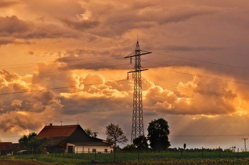 griauna,debesys,debesų formavimas,dangus,tamsūs debesys,debesys formos,Persiųsti,dusk,gewitterstimmung,raudona,nuotaika,tamsus dangus,vakaras,saulė,debesų danga,saulėlydis,saulėtekis,vėjas,keista,kraštovaizdis,galios poliai,energija,stiebas