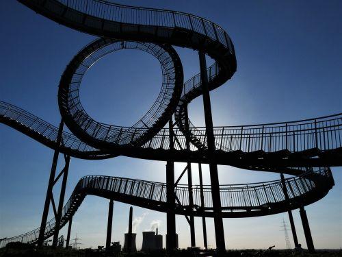tigras ir vėžlys,laiptai,kalneliai,skulptūra,Duisburgas,looping,meno kūriniai,orientyras,atgal šviesa,magiškas kalnas,pyktis hausen,ruhr area