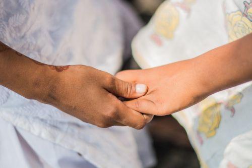 kartu,rankos,išraiška,žmonės,komandinis darbas,grupė,komanda,parama,Draugystė,bendradarbiavimas,rankos kartu,bendravimas,žmogus,susitarimas,partnerystė,ūkis,meilė,jaunas,draugai,vaikai,Indijos,Indija,jaunimas,linksmas,du