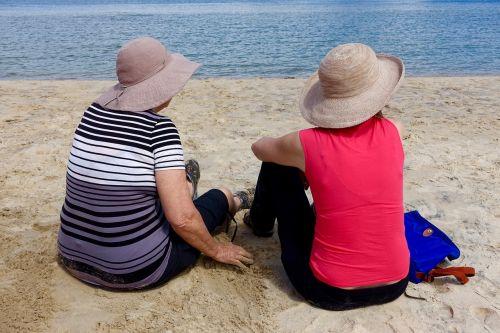 kartu,Draugystė,laimingi draugai,moterų draugai,laimingas,bendravimas,žiūri