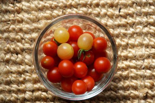 pomidorai,vyšniniai pomidorai,valgyti,kokteilis pomidorai,užkandžių pomidorai,Viduržemio jūros,sveikas,maistas,raudona,skanus,salotos,frisch,daržovės,geltonas pomidoras,raudonas pomidoras,pomidorų derlius,derlius