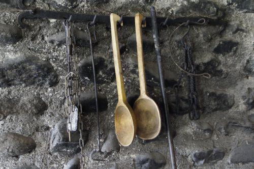 įrankis,šaukštas,medinis šaukštas,gervė,senas,istoriškai,priklausyti,siena
