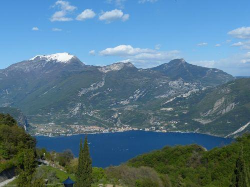 Torbole, Garda, Monte Stivo, Monte Creino, Monte Biaena, Ežeras, Burlenčių Sportas, Vanduo, Mėlynas, Burlaiviai, Regėjimas, Perspektyva, Idilija, Gamta, Pregasina