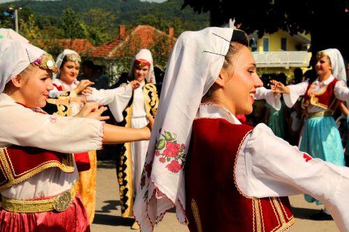 tradicija,šokis,moteris,suknelė,mergaitė,Moteris,mada,Lady,balta,tradicinis,asmuo,Bosnija,Tuzla,tradicija moteris