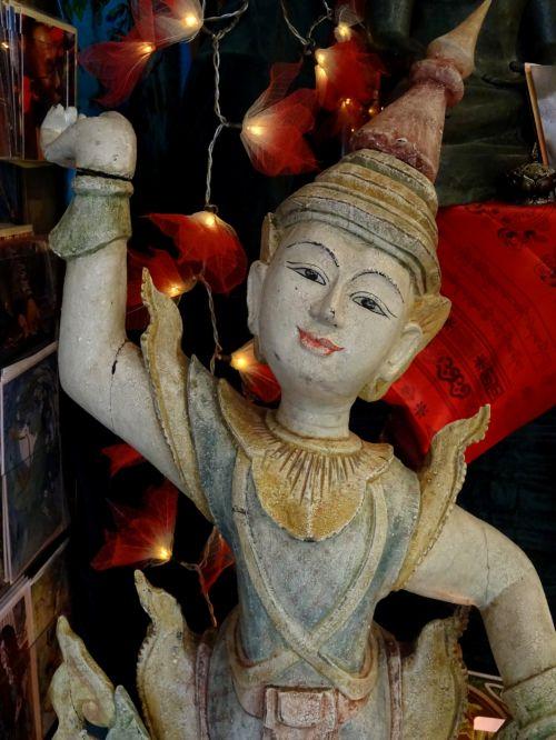 tajų, Tailandas, buda, Budos, budizmas, budistinis, budistams, dievas, dievai, kultūra, kultūros, statulėlės, statulėlė, medžio drožinėjimas, medžio apdaila, ornamentas, dekoratyvinis, papuošalai, skulptūra, skulptūros, mitas, mitai, mitologija, tradicinė tajų statulėlė