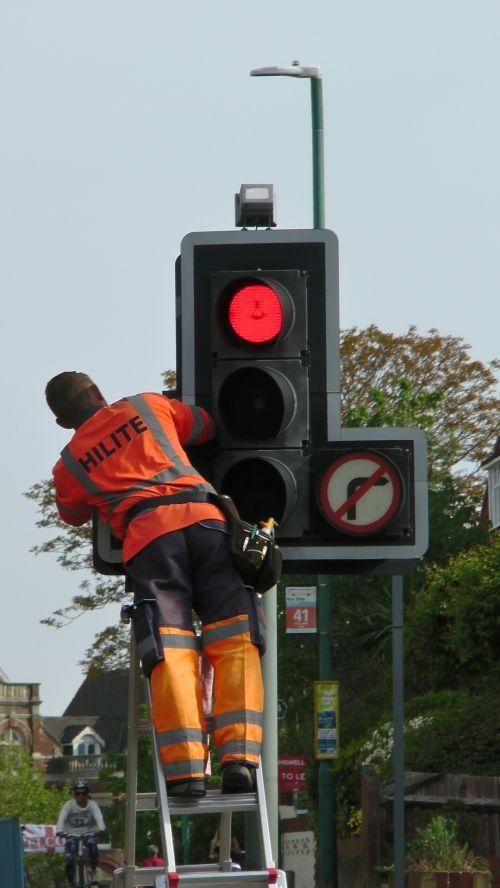 eismas, žibintai, šviesa, priežiūra, remontas, remontas, remontas, kelias, keliai, gatvė, gatves, darbininkas, darbininkai, šviesoforo priežiūra
