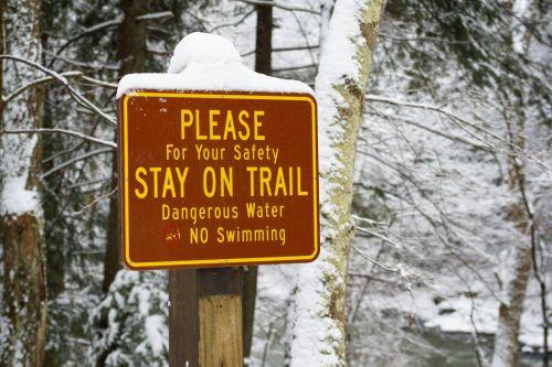 pavojus, pavojingas, baimė, žygiai, žymeklis, parkas, skelbimas, saugumas, ženklas, valstijos & nbsp, parkas, takas, vaikščioti, įspėjimas, žiema, traukinio įspėjimo ženklas