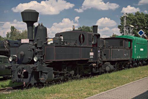 traukinys,garo lokomotyvas,geležinkelis,istorinis traukinys,slovakija,retro,senas traukinys