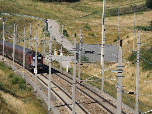 traukinys,atrodė,geležinkelių transportas,traukiniai,geležinkelis,transportas,eismas,kelionė,viešosios transporto priemonės,trasa,geležinkeliai,viešasis transportas