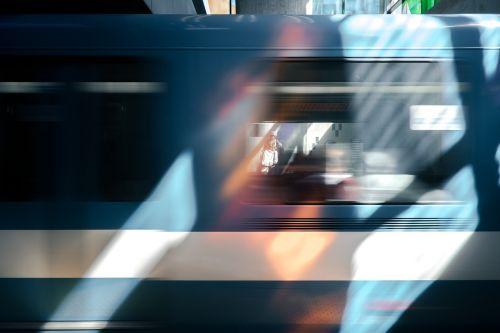 traukinys, greitis, skubėti, gabenimas, judėjimas, geležinkelis, greitai, kelionė, geležinkelis, stotis, metro, transporto priemonė, blur, judėjimas, visuomenė, tranzitas, platforma, vežimas, išreikšti