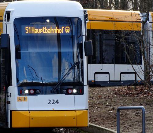 tramvajus,transportas,keleivių transportas,linija,Centrinė stotis,taikinys,stotis,gleise,geležinkelių transportas,viešosios transporto priemonės,viešasis transportas,sustabdyti,traukinys,technologija,transporto priemonė