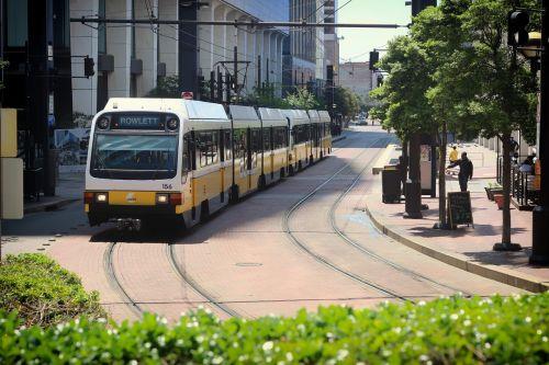 tranzitas,autobusas,gabenimas,transportas,visuomenė,miestas,miesto,urbanizmas,turizmas,kelionė,kelionė,kelionė,traukinys,keleivis,gatvė