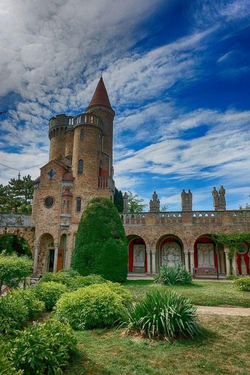 kelionė,pilis,architektūra,székesfehérvár,vengrija,pastatas,lankytinos vietos,laiptas,Bory-city,lankytinos vietos,spiraliniai laiptai,dažymas