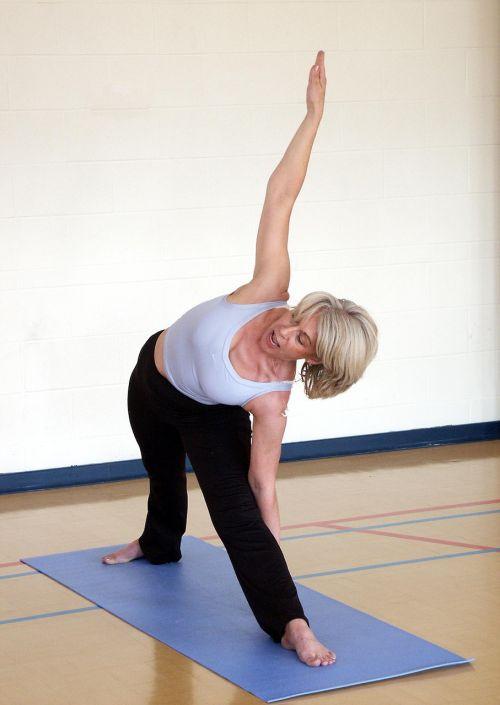 trikonasana,trikampio laikysena,joga,jogos pamokos,gerovė,Asana,ruožas,fitnesas,laikysena,pratimas,veikla,tinka,aktyvus,jogas